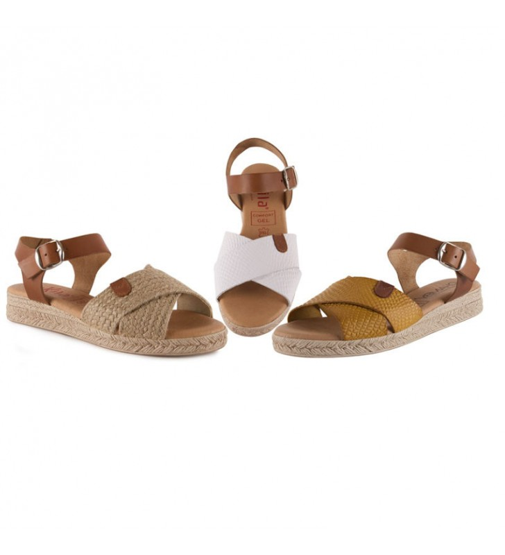 Woman leather and gel sandals