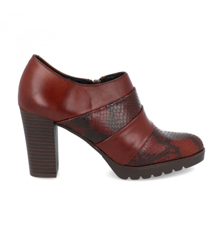 Leather dress heel shoes
