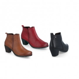 Comfortable woman leather ankle boots