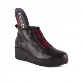 Removable insole comfort boot