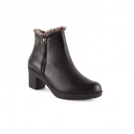 Women's shearling ankle boots