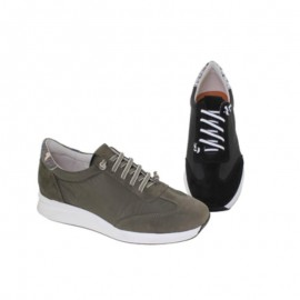 Comfortable women's urban shoes