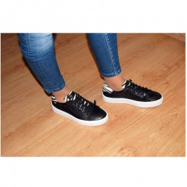 Black leather woman sneakers