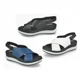 Women's comfort crossed sandals