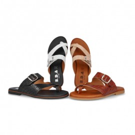 Comfortable flat sandals for women