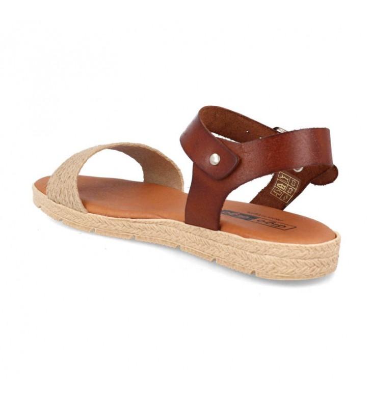 Women's flat leather sandals