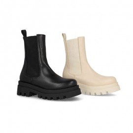 Comfortable casual woman ankle boots