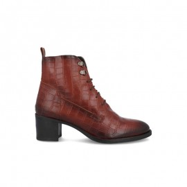 Women's leather lace-up ankle boots