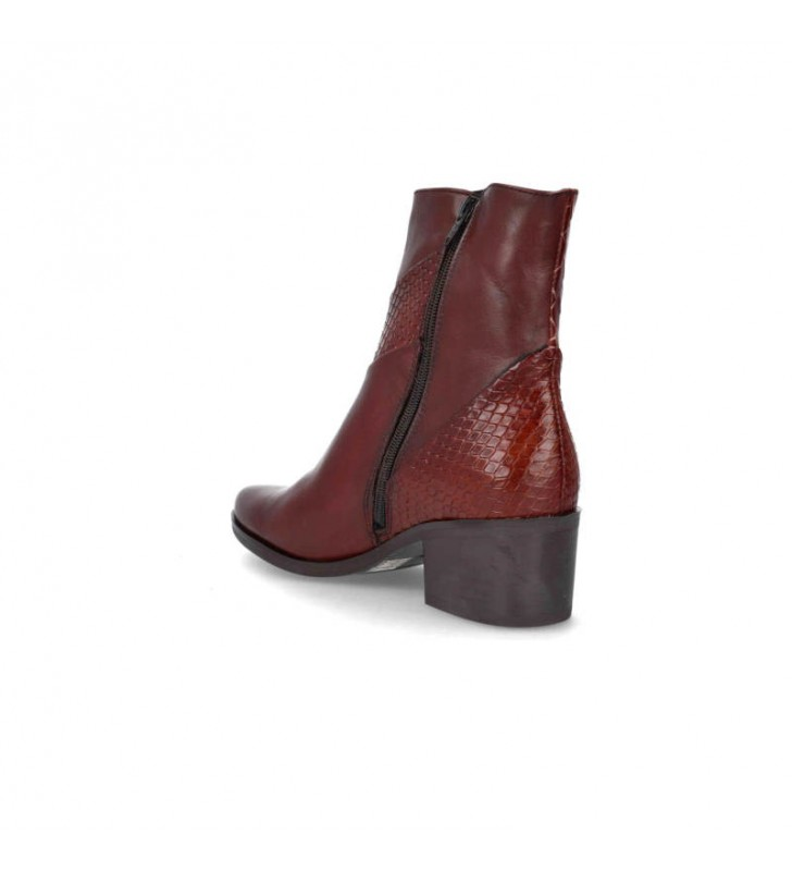 Elegant leather women's ankle boots