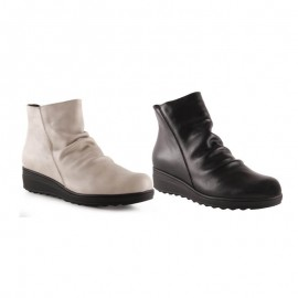 Comfortable leather ankle boots