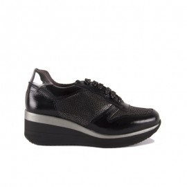 Urban Women's Black Shoes 1