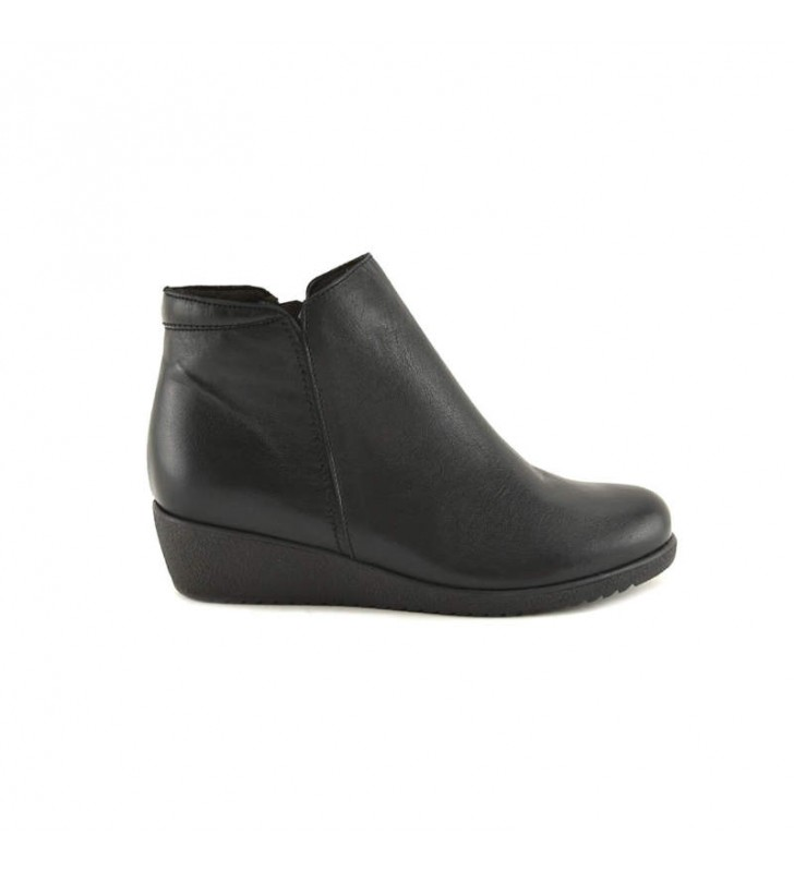 Woman Black Tupie ​​Bootie