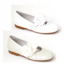Shoe Ceremony Girl
