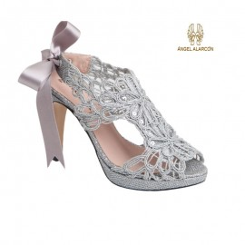 Female party silver shoe 1