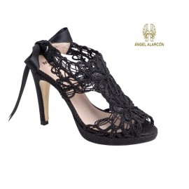 Comfortable woman party shoe black