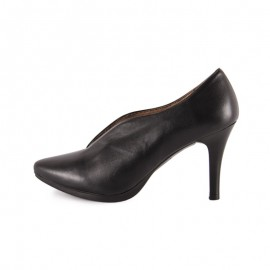 Woman stiletto ceremony shoe