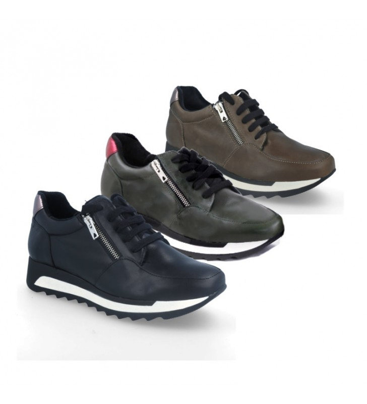 Women's casual leather trainers