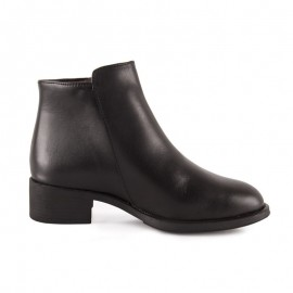 Booty woman elegant leather