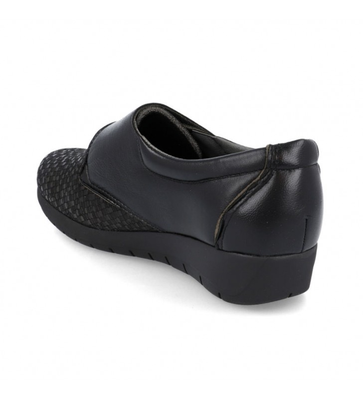 Comfortable lady shoes