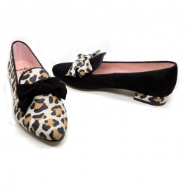 Women's leopard skin slippers