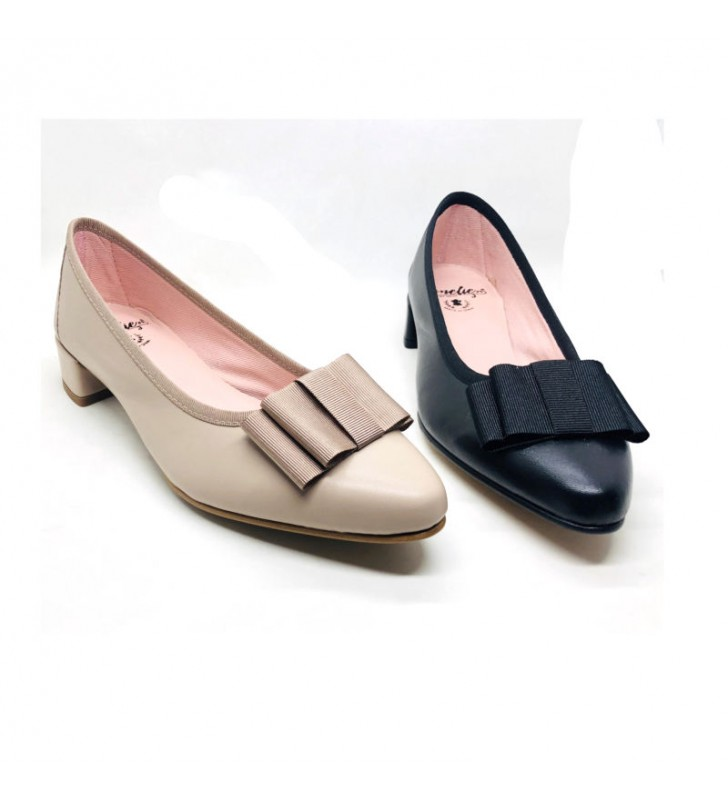 Female leather ballet flats