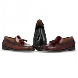 Zapatos castellanos borlas