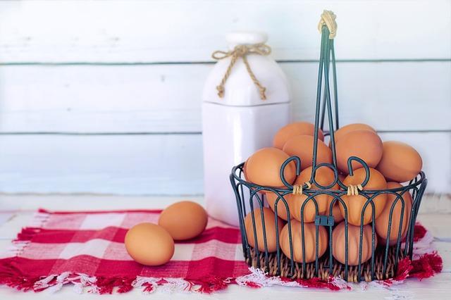 brown-eggs-3217675_640