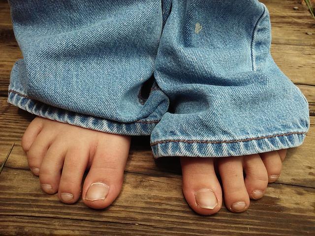 feet-2286137_640