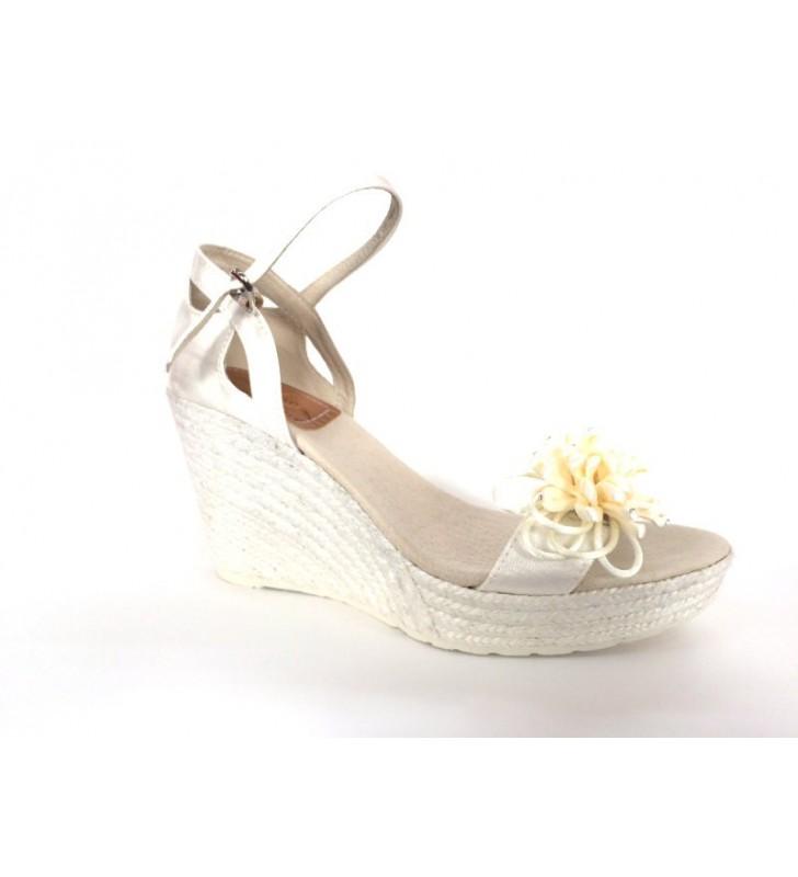 zapato-novia-cuna-yute-adorno-flor
