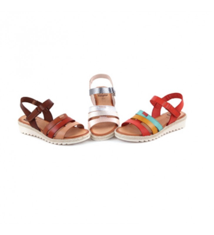 https://calzadoszapatos.com/es/sandalias-planas/2632-46733-sandalias-comodas-yute.html#/26-talla-37/157-color-plata